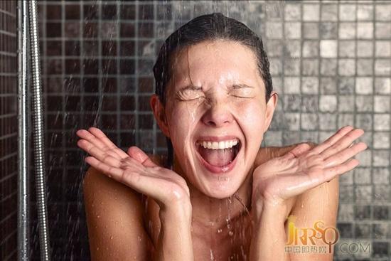 超前体验 四季沐歌集成热水器给你前所未有的热水体验